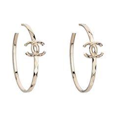 Hoop earrings ❤ liked on Polyvore featuring jewelry, earrings, accessories, chanel, chanel jewellery, costume jewelry, chanel jewelry, hoop earrings and costume jewellery