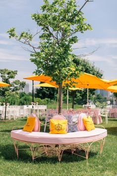 it's that time of year again.the new york city veuve clicquot polo classic (also know as christmas in june) is without a doubt my favorite event of the year!