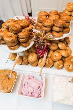 9 Wedding Food Stations That Are In Trend - Dining/Reception - Hochzeit Wedding Brunch Reception, Wedding Catering, Beach Wedding Foods, Diy Wedding, Trendy Wedding, Wedding Ideas, Dream Wedding, Beach Weddings, Budget Wedding