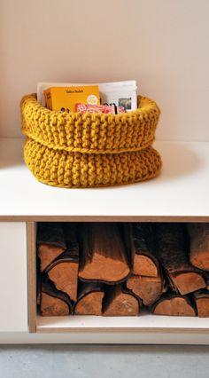 Gebreide mand, hip voor in huis. Gratis - patroon. Knitting basket.