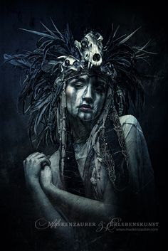 Dark Art / Photography / Nightmare / Skull Headpiece / Surreal / Death / Horror / Creepy // ♥ More at: https://www.pinterest.com/lDarkWonderland/