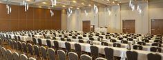 Nos salles de réunions - Our meeting rooms L'Hôtel Château Laurier Québec est l'endroit tout désigné pour vos événements. Ses 17 000 p2 de salles et salons peuvent accueillir de 5 à 500 personnes. Avec Le George V (lien), son traiteur événementiel, l'Hôtel Château Laurier Québec se distingue sur tous les fronts ! Peu importe votre choix, le George V est fidèle à sa devise : créativité, qualité, excellence des saveurs et des présentations.