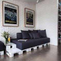 Белая кирпичная стена и картины #loveloft #loft #kirpich #brick #bricks #myloftby #stoneby #белаякирпичнаястена