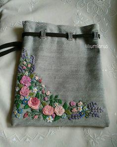 #workinprocess #embroiderywork #handembroidered #embroideredflowers #bordado #botanicalart #broderie #вишивка #вишитіквіти #вишивкаукраїна