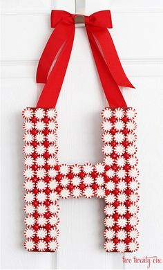 How to make a peppermint monogram wreath!