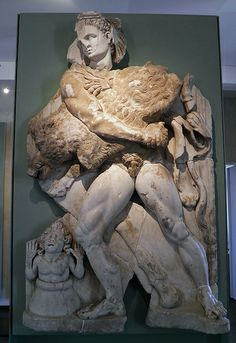 (Anonymous), Heracles and the Erymanthian Boar (end of century CE, relief). From the Roman Villa of Chiragan; now in Musée Saint-Raymond, Toulouse. Classical Mythology, Greek And Roman Mythology, Greek Gods, Roman Sculpture, Sculpture Art, Ancient Rome, Ancient Art, Hercules Statue, Villa Romaine