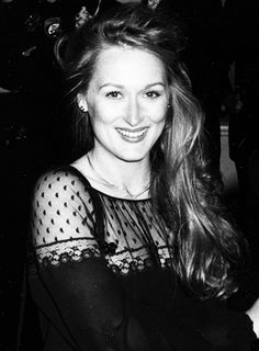 Meryl Streep at the 51st Academy Awards. 1979. Gorgeous.