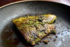 Esta receita me deixou com água na boca. Ainda mais, que tem em entre seus ingredientes – peixes e especiarias. De origem med...