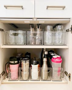 44 smart small apartment storage decorating ideas on a budget 6 – pantry organization ideas Kitchen Organization Pantry, Home Organisation, Bedroom Organization, Organization Ideas For The Home, Organising Ideas, Organized Kitchen, Organizing Ideas For Kitchen, Home Storage Ideas, Organization Station
