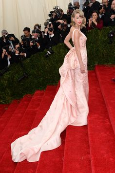 Met Gala 2014: The 54 best dressed on last night's epic red carpet // Taylor Swift in Oscar de la Renta