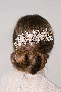 Gorgeous Headpiece Vintage Hair Accessories, Bride Accessories, Wedding Hair Accessories, Fashion Accessories, Headpiece Wedding, Bridal Headpieces, Floral Headpiece, Crown Hairstyles, Wedding Hairstyles