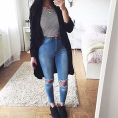 Take a look at 9 back to school outfits for teens with a striped top in the photos below and get ideas for your own outfits! teen fashion outfit ideas for school with jeans, yeezy sneakers, striped crop top, cardigan… Continue Reading → Cute Sporty Outfits, Cute Outfits With Jeans, Outfit Jeans, Cute Fall Outfits, Jean Outfits, Summer Outfits, Casual Outfits, Crop Top With Jeans, Black Crop Tops
