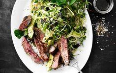 Grøn salat med bøf