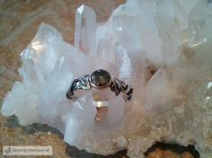 Silver Ivy Leaf Ring with moss agate.