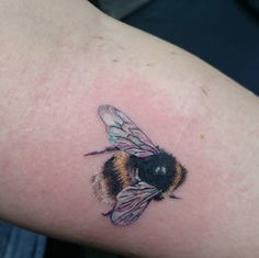 Bumblebee tattoo by Olive