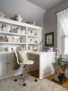 L shaped built-in desk - this could be a pull out desk...