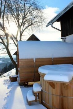 Saunabarrel by Modis -  realisatie in Oostenrijk van een saunabarrel & hottub   www.saunabarrel.be