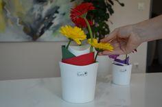 DIY bunte Kübel mit Blumen - Bastelspaß   VALENTINO Wohnideen