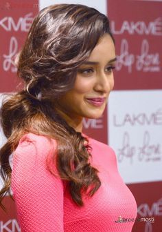 Shraddha Kapoor cute ph otos in red frock 4 Bollywood Images, Bollywood Girls, Indian Bollywood, Bollywood Stars, Bollywood Celebrities, Beautiful Bollywood Actress, Most Beautiful Indian Actress, Beautiful Actresses, Shraddha Kapoor Cute