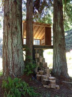 simple platform, slanted tin roof, cool stump stairs