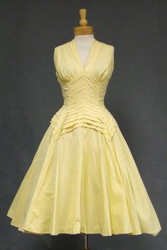 $170 Extremely interesting yellow vintage dress