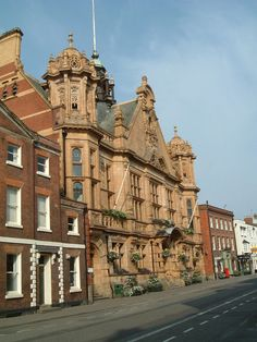 Visit the Mayor's Parlour and City Charters and see silverware dating from 1189 in this very fine building, opened in 1904.  Free admission but contact the Mayor's Secretary in advance on 01432 260438 to make an appointment.