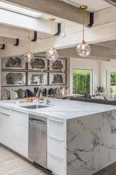 Architect Peter Brown designed this vast in Carmel, California. He chose Dekton Aura countertops to accommodate his food-loving family. Kitchen Interior, New Kitchen, Kitchen Decor, Kitchen Design, Kitchen Island, Kitchen Tops, Cheap Kitchen, Ikea Kitchen Countertops, Kitchen Cabinetry