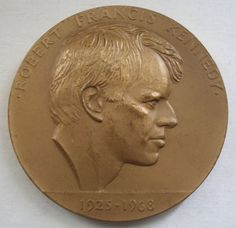 ROBERT FRANCIS KENNEDY Big BRONZE Medallion MEDAL 1925-1968 EAGLE Signed IACOCCA