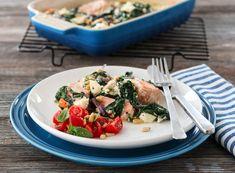 Laks med kremet spinat og feta   TRINES MATBLOGG Feta, Chicken, Dinner, Spinach, Dining, Food Dinners, Cubs, Dinners