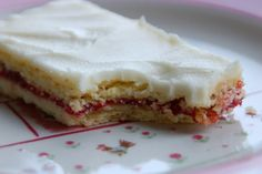 Billedresultat for hindbærsnitte lone landmand Danish Cake, Danish Food, Cake Recipes, Dessert Recipes, Sweets Cake, Pumpkin Cheesecake, Cakes And More, Yummy Cakes, No Bake Cake