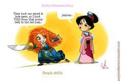 """Pocket Princesses Nº 17: """"Habilidades de la gente"""" Merida: Me cogió la espada y el arco, así que tomé de un giro el caballo y el escudo rojo Mulán: celosa"""