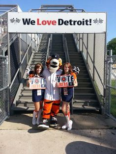 PAWS loves Detroit!