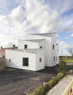 Gallery Of The Curving House JOHO Architecture The Ojays - Curving house joho architecture