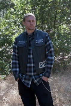 Sons of Anarchy Clothing | Jax makes plaid shirts look good! | SONS of Anarchy