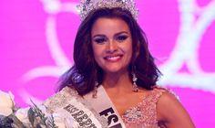 Dominicana Clarissa Molina dentro del top 10 de expertos para ganar Miss Universo 2015