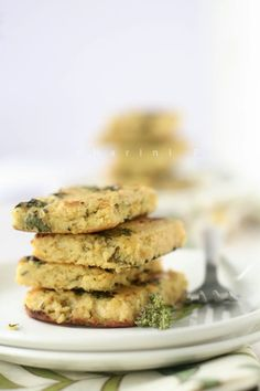 Handvo, Indian savoury cake - a guest post for 6bittersweets. http://tongueticklers.com/2011/04/handvo-vegan-guest-post/