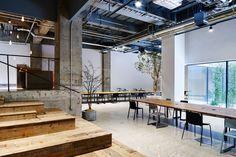 トラフ建築設計事務所による、クリエイティブエージェンシーAKQAの東京オフィス「AKQA Tokyo Office」 | architecturephoto.net
