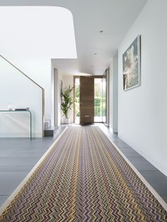 Fabulous Emerald rug from Crucial Trading oozes fabulousness... So much so they just had to put it in the name! #fabulous #emerald #crucialtrading #carpets #rugs #flooring #york