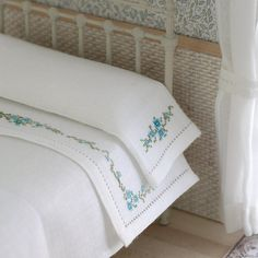 Luxury hand embroidered linen Set of sheet and by MINIATURAFR