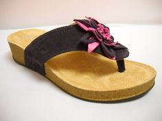 1 Atema Lynette - Wga - Atema Lynnette from Italy. Summer casual in Suede with cushioned sole and flower detail. Available in Beige, Black, Mango, Purple and Red. Italy Summer, Tango Shoes, Walking Shoes, Winter Wardrobe, Different Styles, Birkenstock, Casual Shoes, Mango, Beige