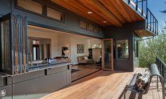 Amazing indoor/outdoor spaces (© Sean Balko, Filmworks Studiole speci)