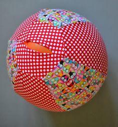 Schnabelinas Welt: Luftballonhülle Sehr praktisch für unterwegs! So habt ihr immer einen Ball dabei...ein Ball kann manchmal Elternleben retten ;-)