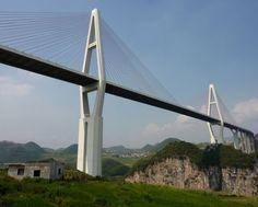 20. Malinghe River Bridge. Uma das muitas pontes localizadas na província de Guizhou, na China, esta ponte tem 241 metros de altura. Foi ina...