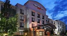 SpringHill Suites Knoxville At Turkey Creek Knoxville Located 10 minutes from Dead Horse Lake Golf Course and 15 minutes from downtown Knoxville, this all-suite hotel offers an indoor pool and jacuzzi.  Wi-Fi internet is available.