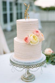 Pink textured cake: http://www.stylemepretty.com/minnesota-weddings/minneapolis/2015/01/29/chic-lakeside-country-club-wedding/ | Photography: Jeff Loves Jessica - http://jefflovesjessica.com/