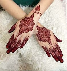 Mehndi henna designs are always searchable by Pakistani women and girls. Women girls and also kids apply henna on their hands feet and also on neck to look more gorgeous and traditional. Arabian Mehndi Design, Indian Mehndi Designs, Henna Art Designs, Stylish Mehndi Designs, Mehndi Designs For Girls, Mehndi Design Pictures, Latest Mehndi Designs, Beautiful Henna Designs, Mehandi Designs