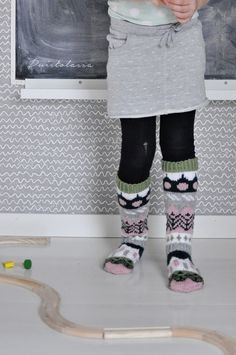 Crochet Socks, Knitting Socks, Wool Socks, Leg Warmers, Black Jeans, Slippers, Legs, Petra, Crocheting