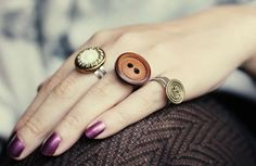 DIY Button Rings #DIY #Jewelry #Buttons