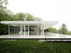casa branca em vidro