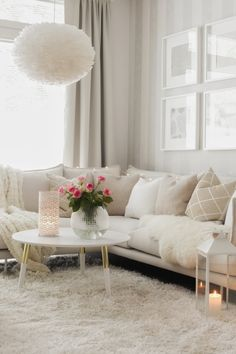 Pellavaa & Pastellia - sohva Glam Room, Apt Ideas, My Dream Home, Room Inspiration, Love Seat, Sweet Home, New Homes, Room Decor, House Design
